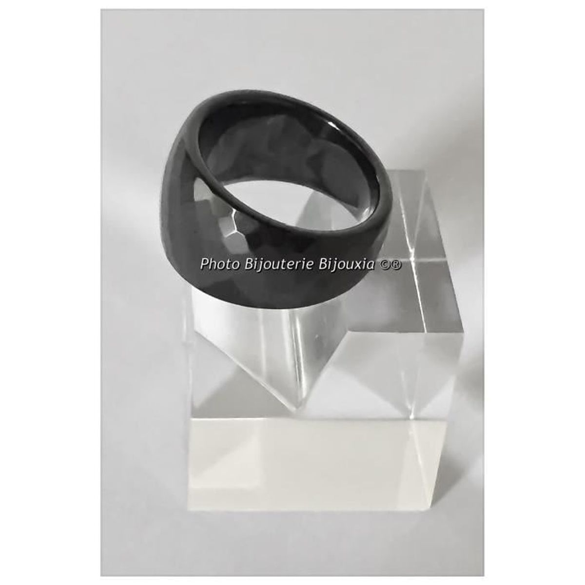 BAGUE facettée en Céramique noire NEUVE TAILLE 52 DISPONIBLE