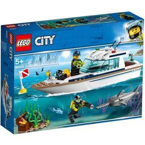 ASSEMBLAGE CONSTRUCTION LEGO® City 60221 Le yacht de plongée