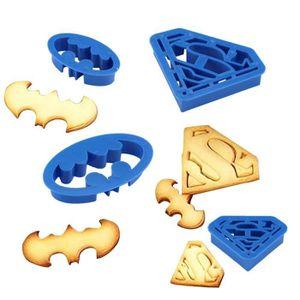 MOULE  Set de 4 Moule de Biscuit Batman & Superman - Form