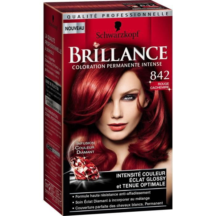 Coloration rouge cerise sur cheveux blond