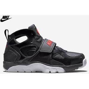 BASKET Nike Air Trainer Huarache Noir / Rouge