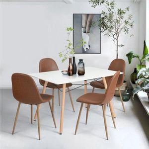 En Cuisine Moderne Chaises Central La Bois Table Et Dans ...