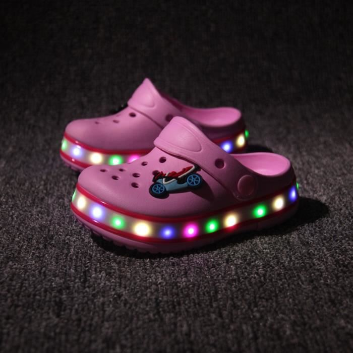 Nouvelle LED s'allume chaussures Chaussures enfants Chaussures enfants Chaussures trou été plage