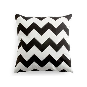 housse de coussin zig zag 50x50 en tissu blanc et noir. Black Bedroom Furniture Sets. Home Design Ideas