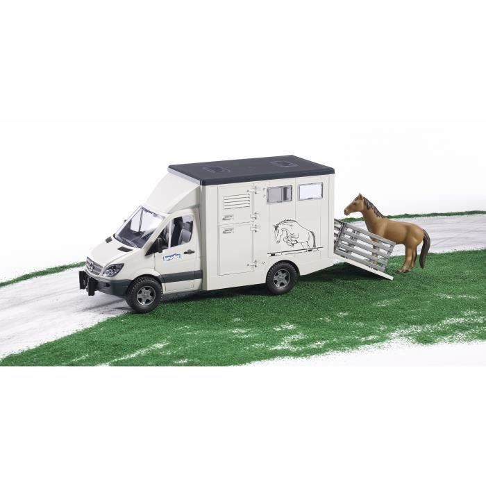 BRUDER - Camion de transport animal MERCEDES BENZ avec un cheval - 45,5 cm
