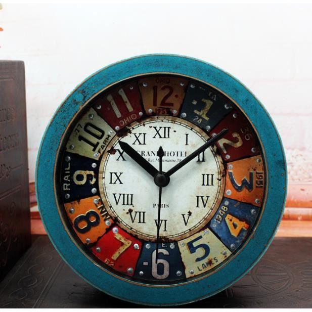 Rétro Imitation Bois Réveil ,Classique Vintage Radio-réveil avec rétro-éclairage, réveil de Voyage à Piles, Rond Alarme Horloge