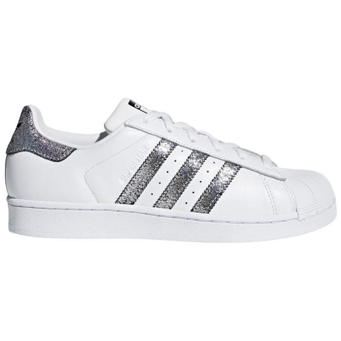 competitive price d5649 44e57 Chaussures femme Baskets Adidas Originals Superstar