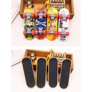 1pc Mini Plastique Doigt Planche /à roulettes Fingerboard Jouet Enfants Party