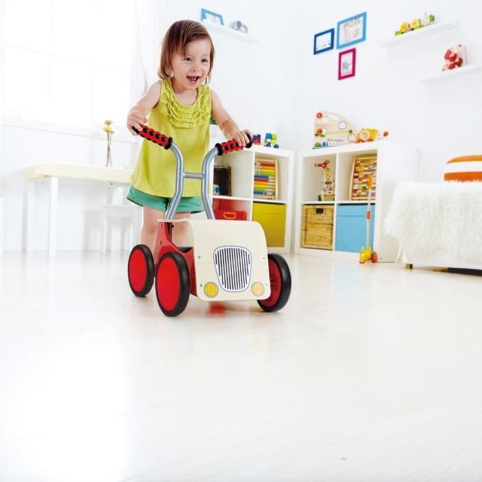 Vehiciles a pedales et a traction Trotteur draisienne a 4 roues rouge Hape E0374