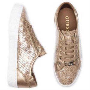 Achat Guess Femme Cher Baskets Pas Vente nyvNwOm08