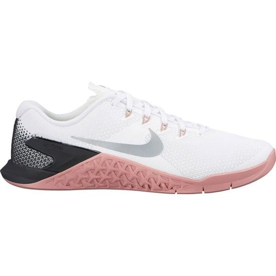 chaussure nike training femme