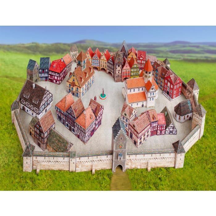Maquette en carton : Ville médiévale