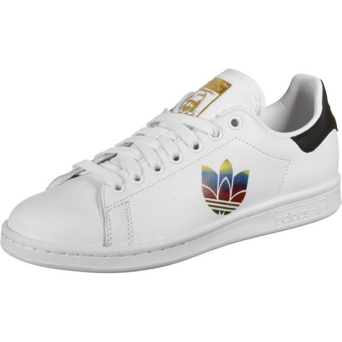 adidas STAN SMITH chaussures SPORT>TENNIS>CHAUSSURES DE TENNIS