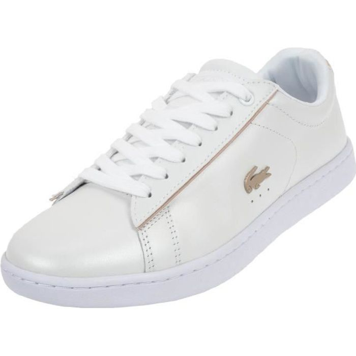 93c0c12f09 Chaussures basses cuir ou simili Carnaby evo 118 blanc or - Lacoste ...