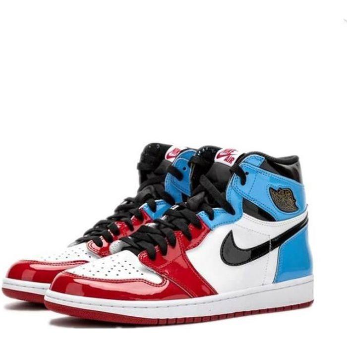 Basket Nike Air Jordan 1 Retro High OG Fearless UNC Chicago ...