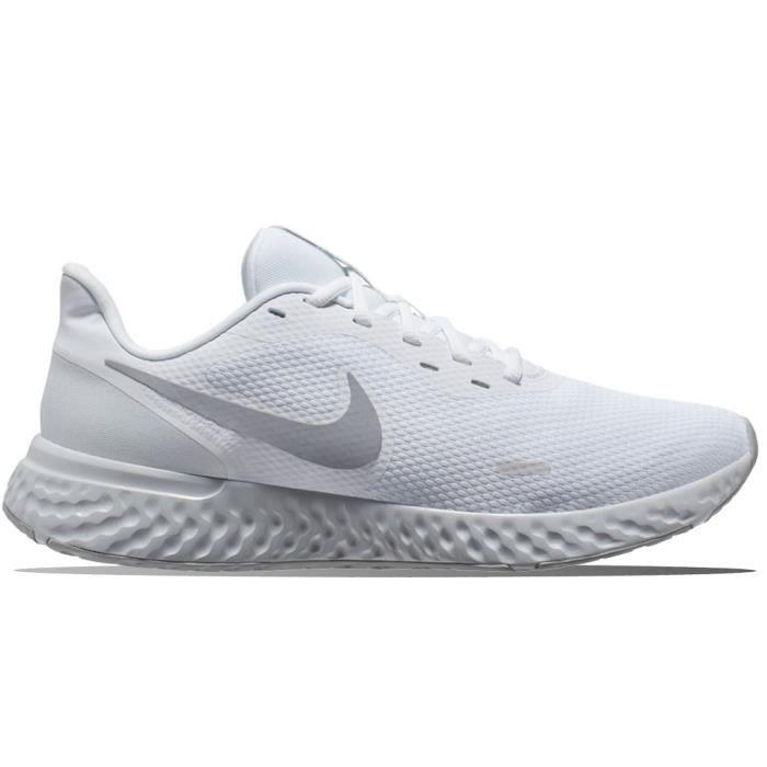 chaussure nike revolution