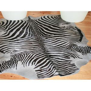 tapis peau de zebre achat vente pas cher. Black Bedroom Furniture Sets. Home Design Ideas
