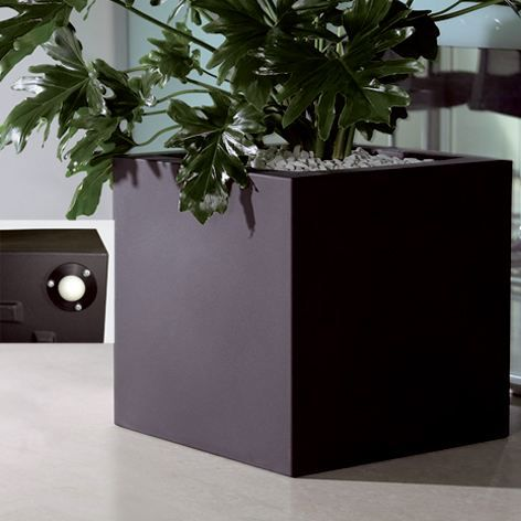 euro3plast pot de fleurs kube 40x40x40 noir 25888 achat. Black Bedroom Furniture Sets. Home Design Ideas