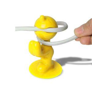 CACHE PRISES - CÂBLES M. P range câble jaune bonhomme enrouleur de câble