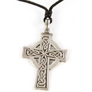 PENDENTIF VENDU SEUL Pendentif Croix Celtique Etain - B