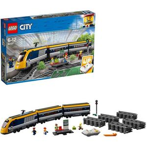 ASSEMBLAGE CONSTRUCTION LEGO City - Le train de passagers télécommandé - 6
