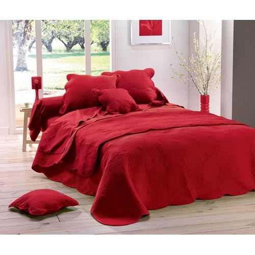 couvre lit matelass 220x240 boutis uni rouge achat vente jet e de lit boutis cdiscount. Black Bedroom Furniture Sets. Home Design Ideas