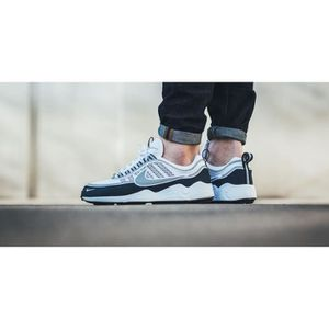 BASKET Baskets Nike Air Zoom Spiridon Bleue, Blanche 8497