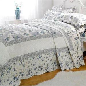 JETÉE DE LIT - BOUTIS Parure couvre-lit matelassé 2 personnes Lille - bl