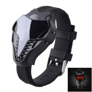 MONTRE Mode Cobra LED Triangle numérique Hot Sale Hommes