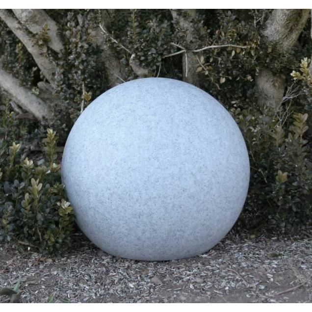 Awesome lampe de jardin boule photos amazing house for Boule en pierre pour jardin