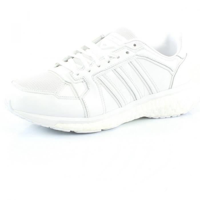 9caea71aaf8 Baskets ADIDAS ORIGINALS White Mountaineering Energy Boost Blanc ...