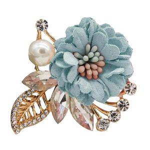 Femmes Papillon Fleur Vêtements Broche Pull Écharpe Chapeau Cercle Breastpin