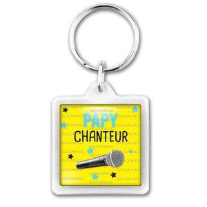 PORTE-CLÉS Porte-Clés Carré Plastique Papy Chanteur - Micro -