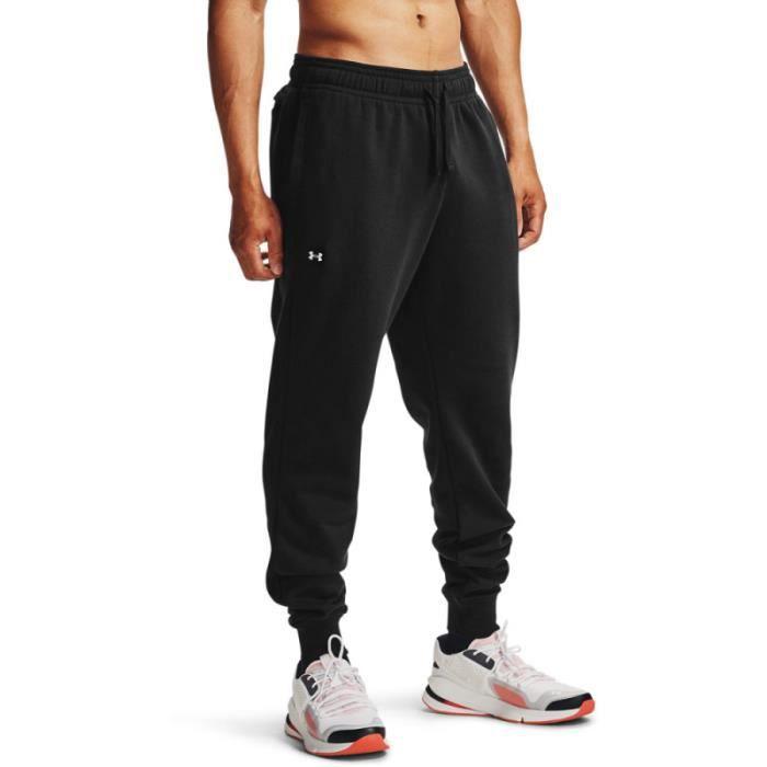 Pantalon de survêtement Under Armour RIVAL FLEECE - Réf. 1357128-001. Couleur : Noir. Détails. - Coupe plus ample pour un confort