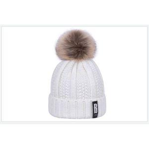 BONNET - CAGOULE 1 Bonnet POMPOM BLANC ECRU chaud et doux en tricot
