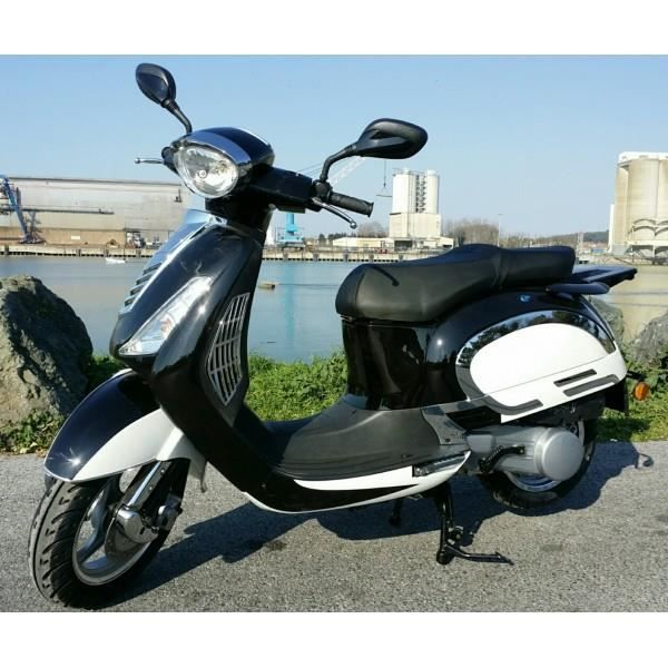 scooter 125cc yiying yy125t 31 pret a rouler achat. Black Bedroom Furniture Sets. Home Design Ideas