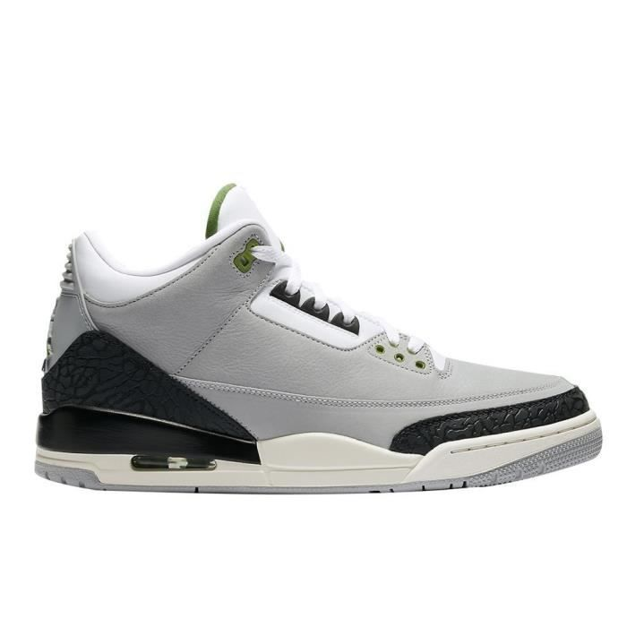 chaussure nike air jordan gris