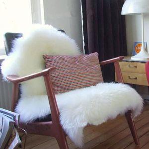 TAPIS Coussin de siège en fausse peau de mouton blanc 60