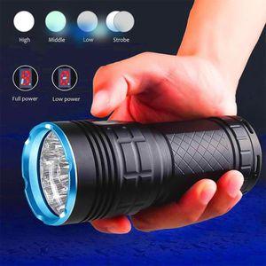 LAMPE DE POCHE SupwildFire 8 x XM-L T6 LED de puissance numérique
