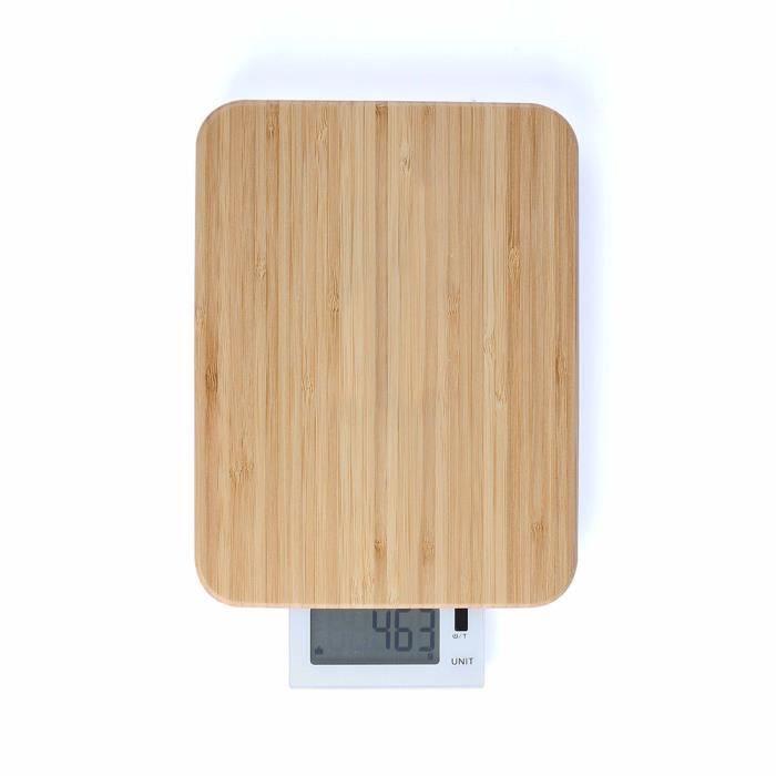 Balance de cuisine et planche à découper - DOM383