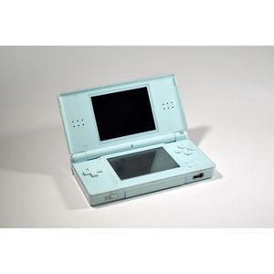 nintendo ds occasion achat vente nintendo ds occasion pas cher cdiscount. Black Bedroom Furniture Sets. Home Design Ideas