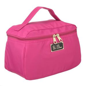 GUESS Trousse de toilette WEEKEND Fuchsia