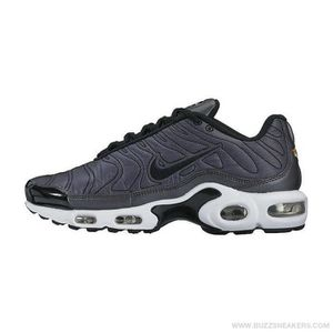 BASKET Baskets NIKE AIR  MAX PLUS SE, Modèle WMNS 862201