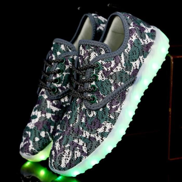 Enfants Boy et Led Girl camouflage Sneakers Light Up Chaussures clignotant planche à roulettes (enfant - Little Kid - Big Kid)