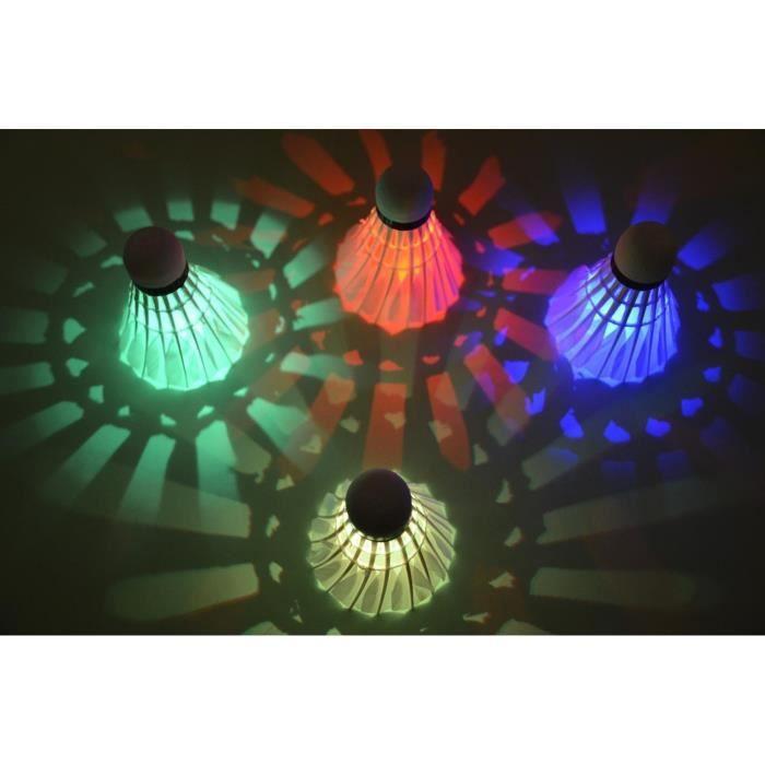 Itian 4 Pièces LED Volant de Badminton Nuit Noire Lueur Birdies Eclairage pour les Activités Sportives Intérieur et Extérieur:
