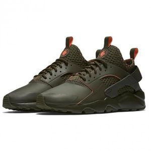 BASKET Nike Air Huarache Run Ultra SE