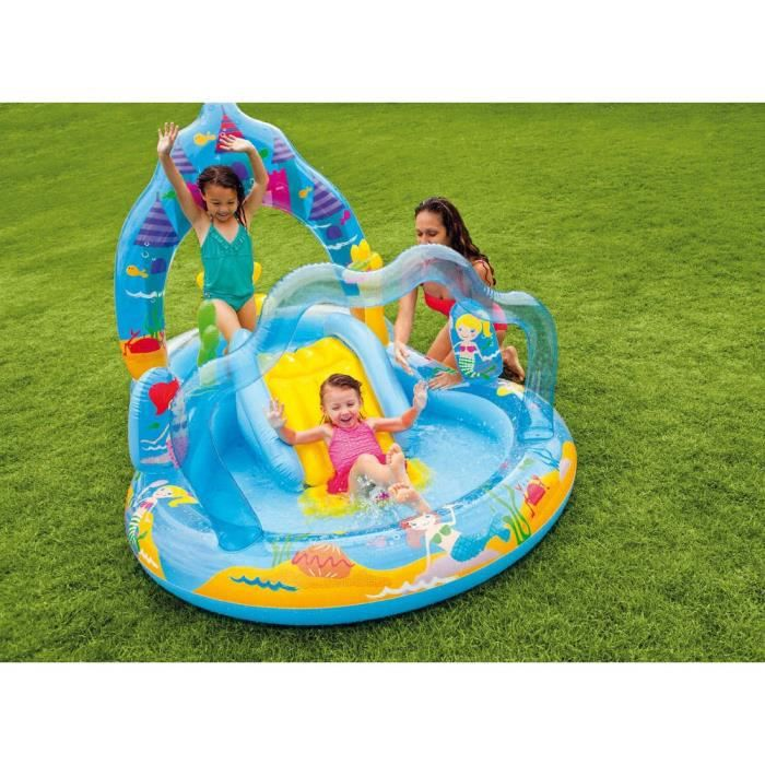 Piscine gonflable jeux d eau for Toboggan intex piscine