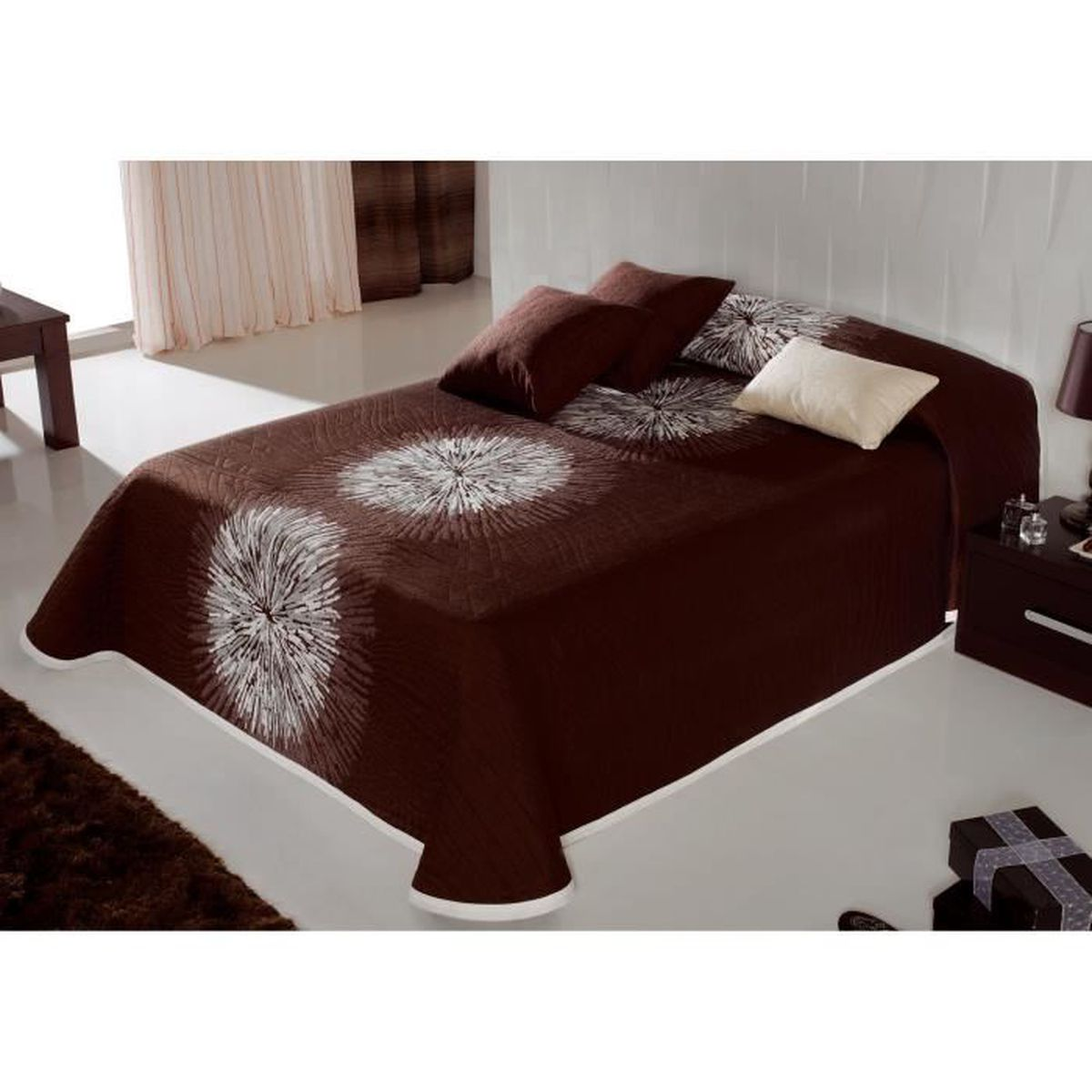 couvre lit 250x270 cm tiss jacquard agnes marron pour lit. Black Bedroom Furniture Sets. Home Design Ideas