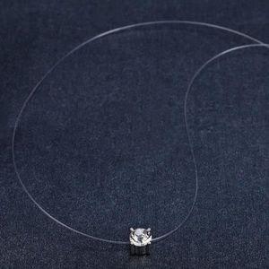 SAUTOIR ET COLLIER Collier Nylon Invisible et Cristal de Swarovski El