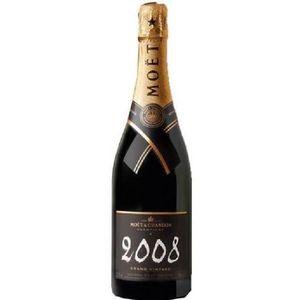 VIN BLANC MOET ET CHANDON Champagne millésimé - Blanc - 75cl